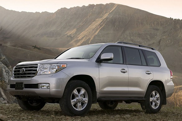 Аренда автомобиля Toyota Land Cruiser  200 в Москве