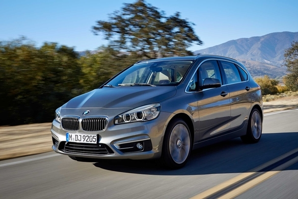 Аренда автомобиля BMW 218i Active Tourer в Санкт-Петербурге